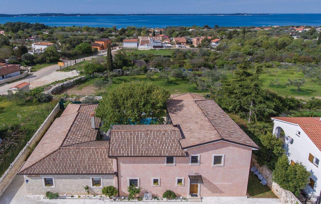 Luxus immobilien agentur Farkaš, zu verkaufen, stein villa, 300 m von strandt, Pula, Istrien, Kroatien, 13