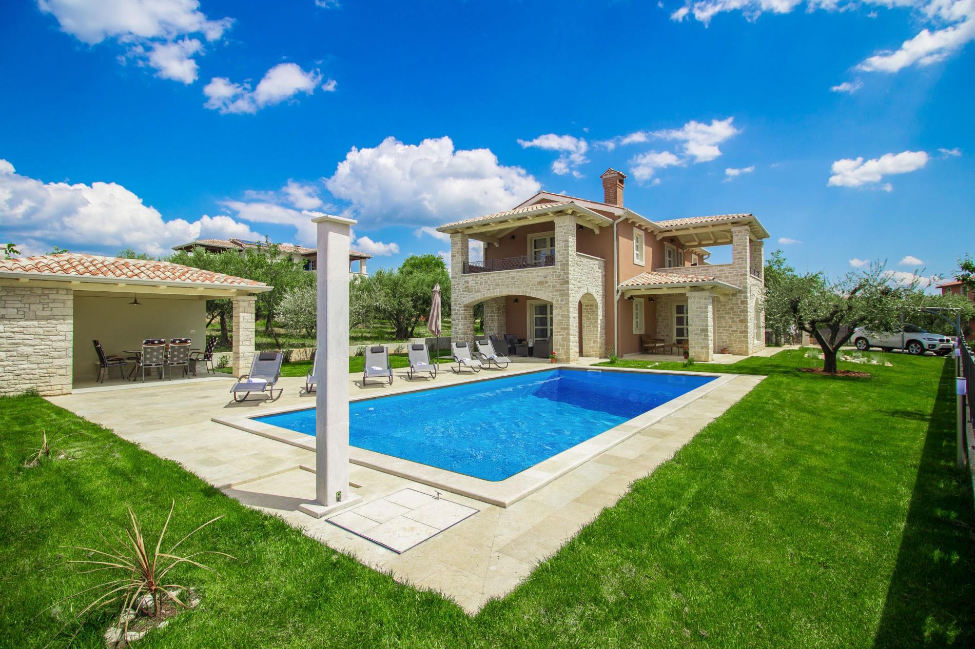 Stone villas Istria, Farkaš sells stone villa with swimming pool near Poreč