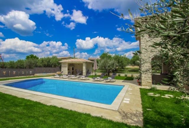 Luxusvillen Kroatien, Istrien, Farkaš, zu verkaufen, villa mit pool, Kaštelir, 3