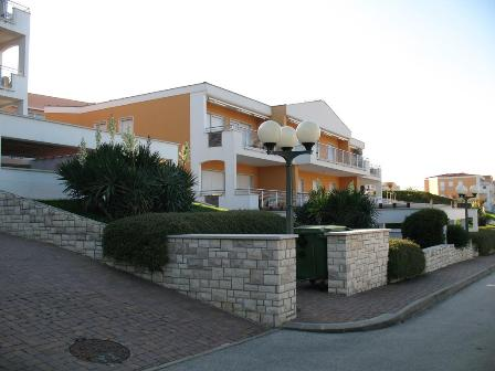 Farkas real estate, Crveni vrh, golf residence, app 16