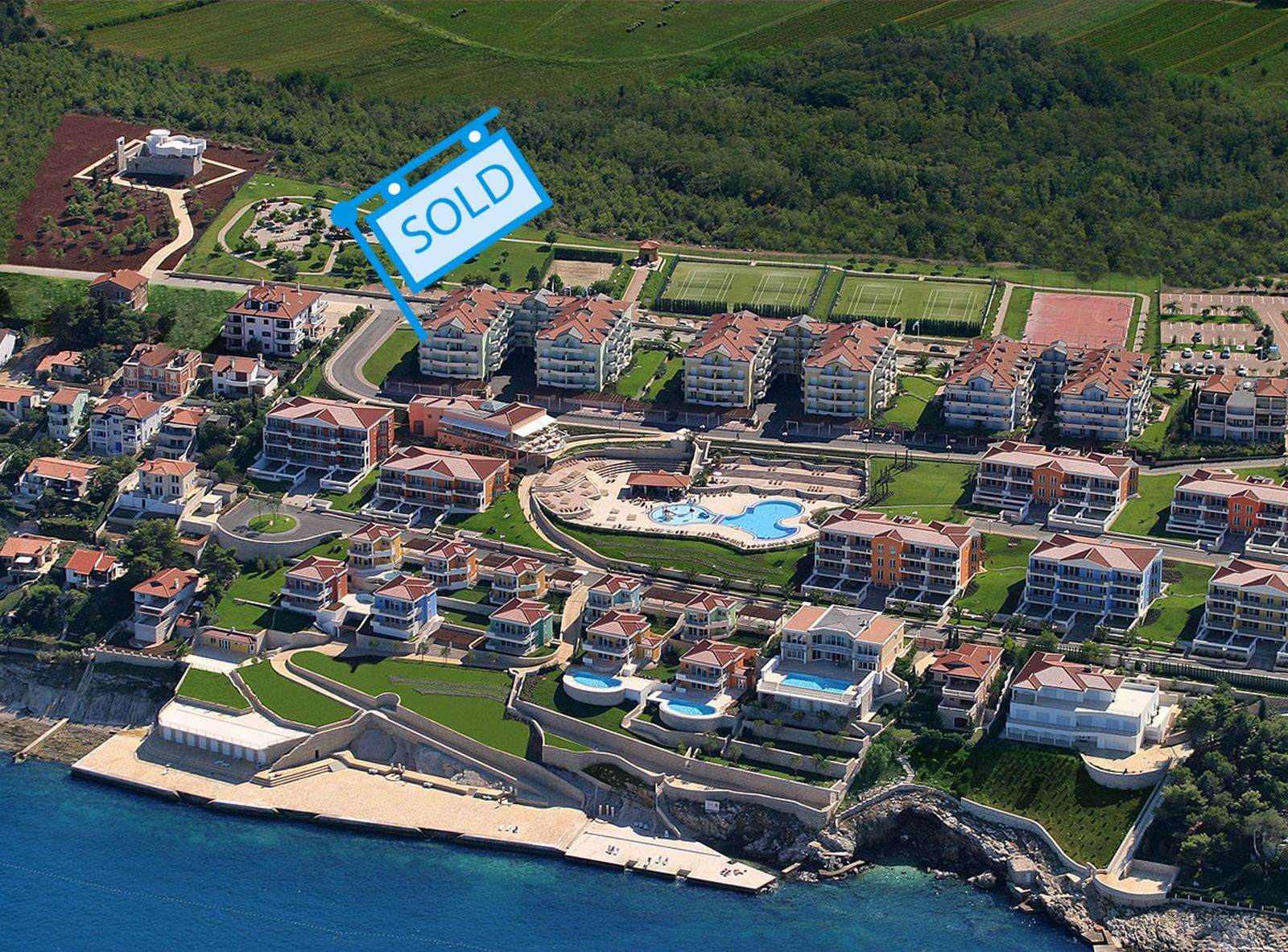 Luxury apartments Istria Farkaš sell apartment with beautiful sea view in golf resort, Umag