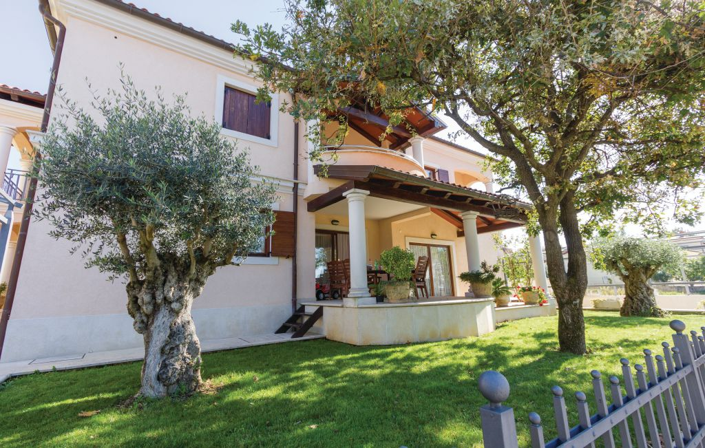 Houses near the sea for sale Istria, house with pool for sale, 3rd row from the sea, Pula, 15