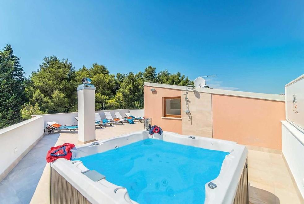 Luxus villen novigrad farkaš, zu verkaufen villa mit pool, novigrad stadt zentrum, 3