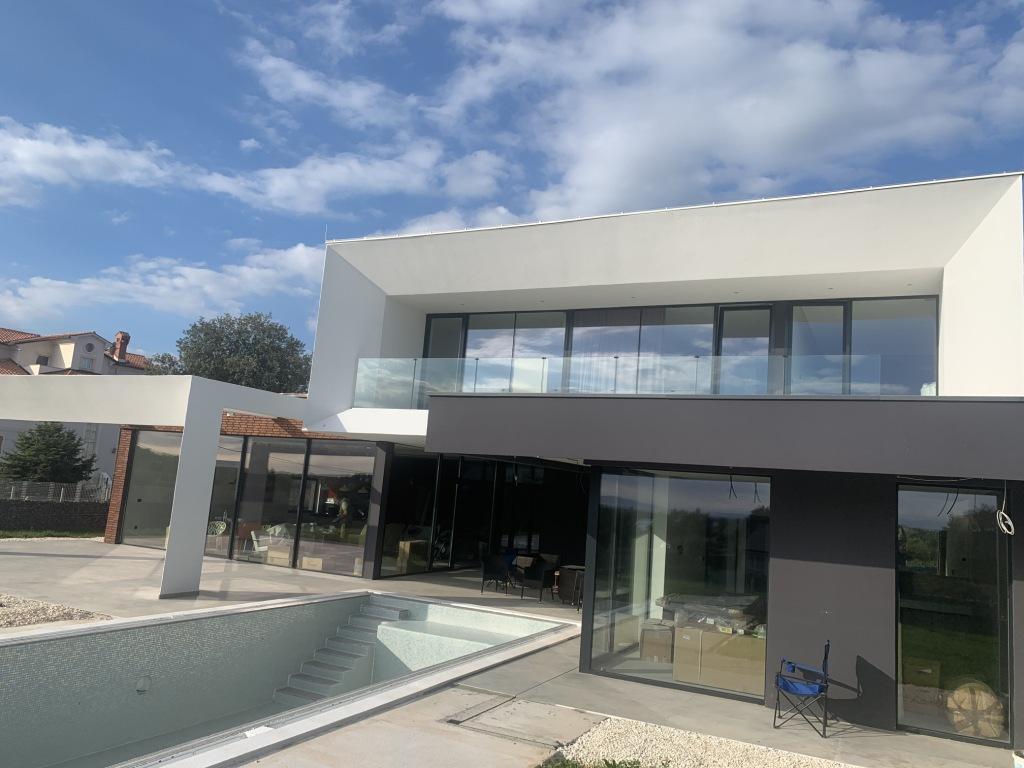 Luxury villas Istria Farkaš sells a brand new villa with pool near Pula
