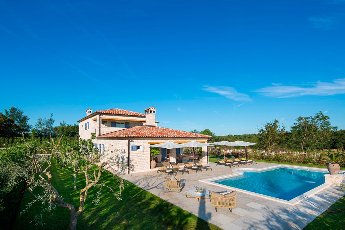 Luxury villas Istria Farkaš is selling a new stone villa with pool, poreč, surroundings