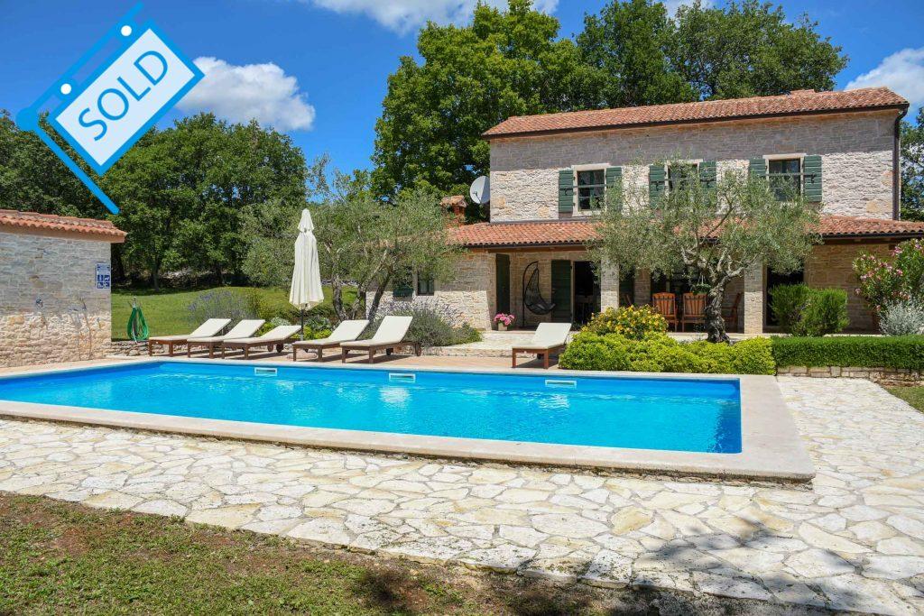 Stone houses Poreč Farkaš is selling renovated stone house with pool, Poreč, surroundings