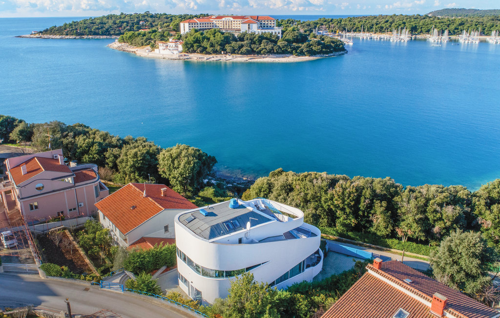 Villas by the sea Istria for sale Farkaš, modern luxury villa by the sea, Pula