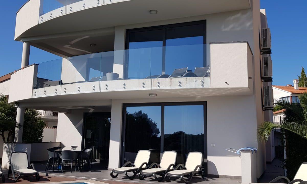 Häuser am Meer istrien farkaš, zum Verkauf schöne moderne Villa in Meeresnähe, Pula, 7
