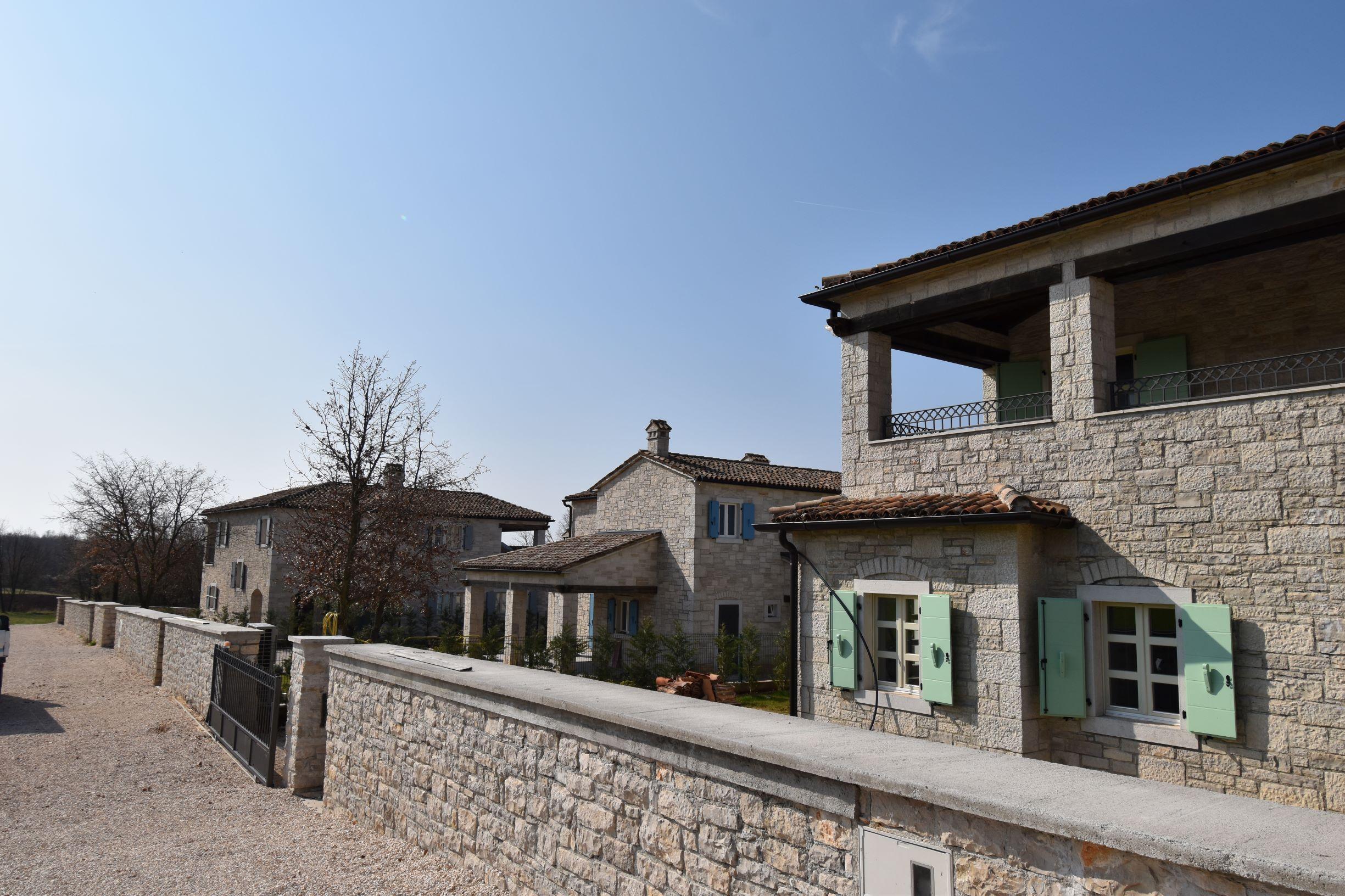 For sale a beautiful stone villa with pool near Poreč