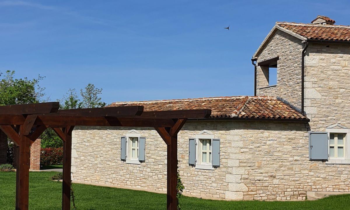Steinhäuser zu verkaufen Istrien, Farkaš immobilien, schöne steinhaus mit pool, Tinjan umgebung,