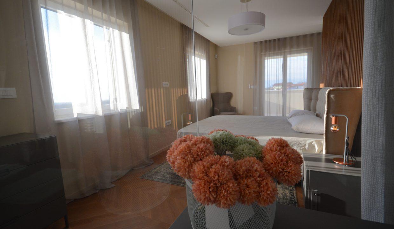 Haus istrien kaufen, Luxusimmobilien Istrien Farkaš, villa mit pool neben Višnjan, 15