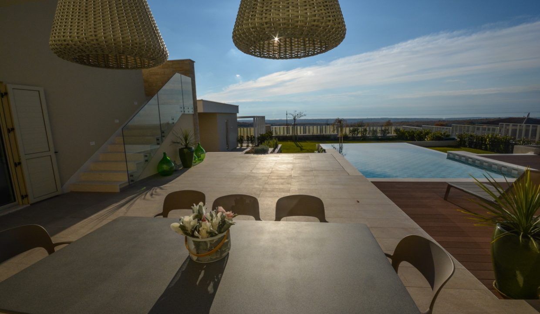 Haus istrien kaufen, Luxusimmobilien Istrien Farkaš, villa mit pool neben Višnjan, 8