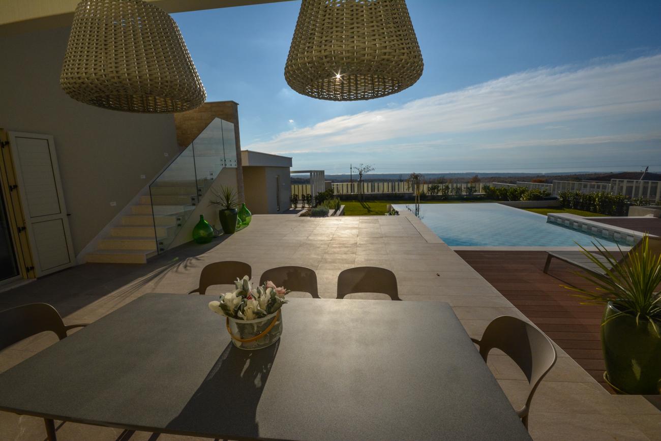 Schöne Villa mit pool bei Višnjan zu verkaufen