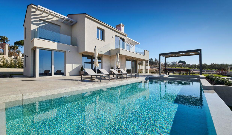 Villen istrien kaufen, Luxusimmobilien Farkaš, Neue Villa mit pool neben Višnjan, 2