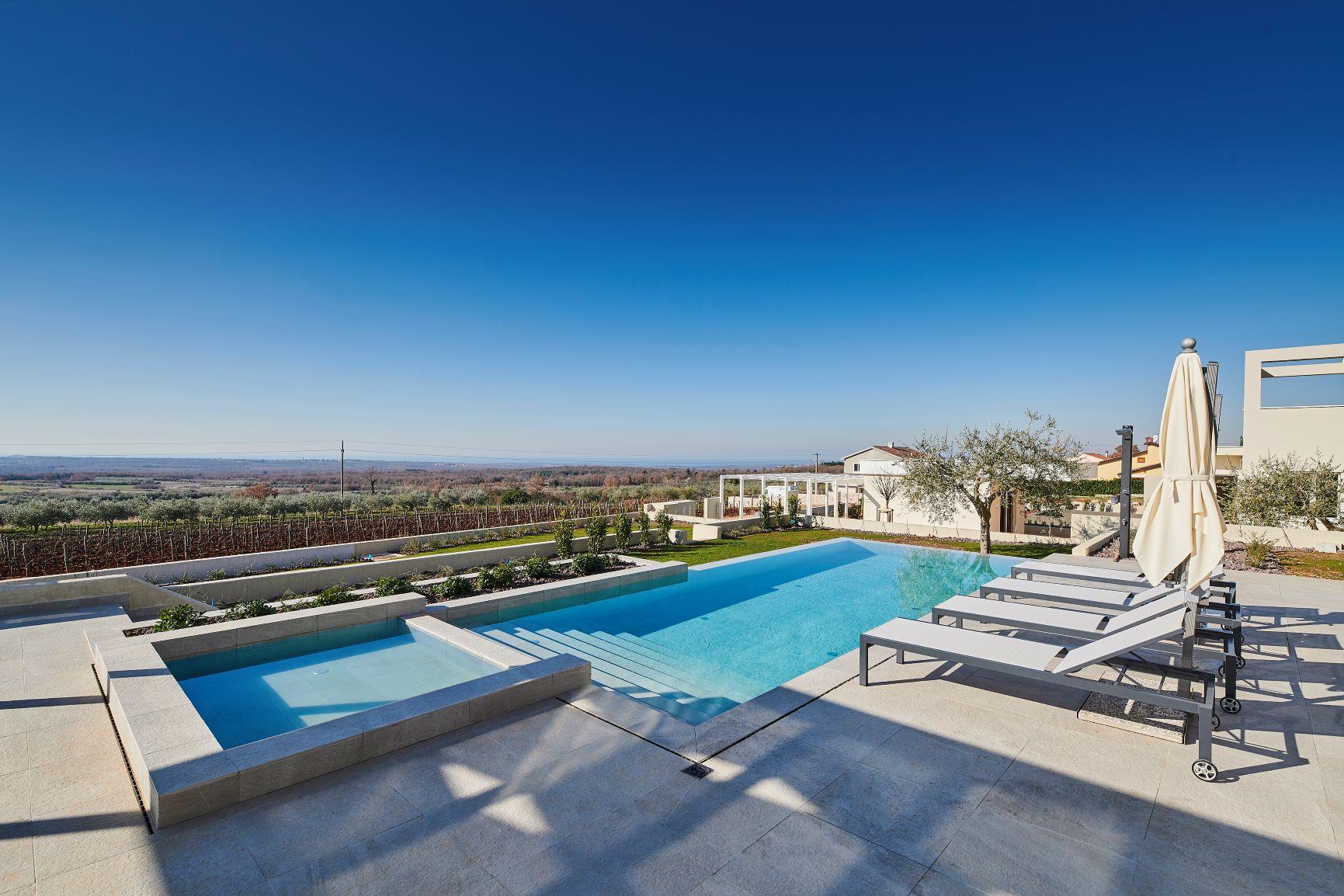 Luxury villas Istria Farkaš is selling new luxury villa near Višnjan